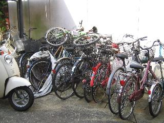 放置自転車 駐輪場